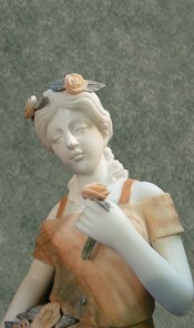 Rose Lady Statue