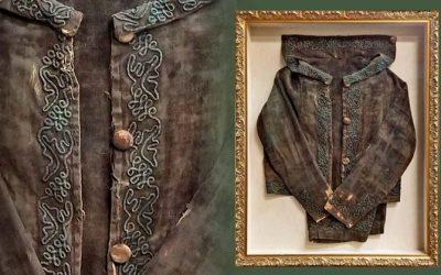 FRAMING PROJECT: Antique Velvet Child's Coat